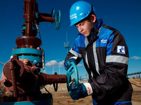 В день работников нефтяной и газовой промышленности «Фундэкс» поздравил партнеров