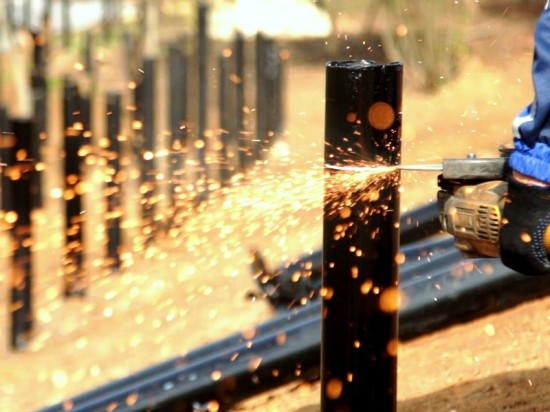 Аллею на винтовых сваях «Фундэкс» строит на берегу Сетуни