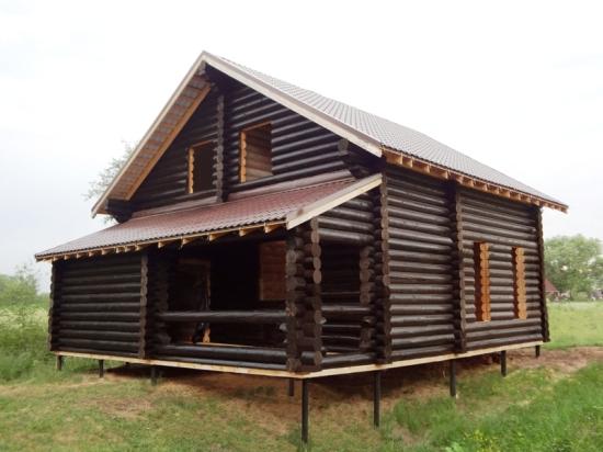 Свайно-винтовой фундамент «Фундэкс» для классического деревянного дома