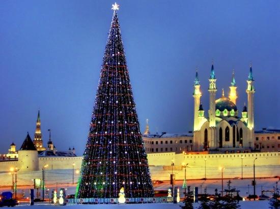 Главная елка Казани и стальные основания «Фундэкс»