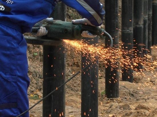 Монтажные бригады компании «Фундэкс» продолжают установку стальных оснований