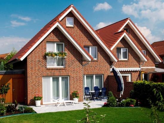 Надежный и экологичный свайно-винтовой фундамент «Фундэкс» для большого кирпичного дома